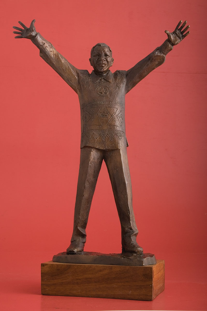 Nelson Mandela maquette, Sculptor Mike Edwards,portrait commission